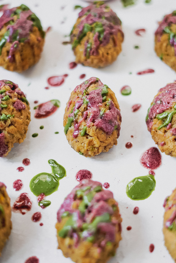 Easter Egg Paleo Pancake Poppers (gf, paleo, dF) - Ingredients2 cups Birch Bender Paleo Pancake Mix1 egg2tsp chia seeds1 scoop Vital Proteins Collagen Peptides1/2 cup water1 cup coconut butter (split in 2)1 scoop Vital Proteins Matcha Collagen1 scoop Vital Proteins Berry Collagen