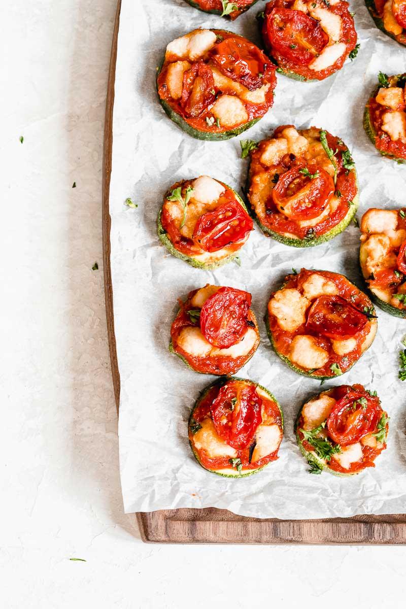 Healthy Zucchini Pizza Bites | The Fit Peach