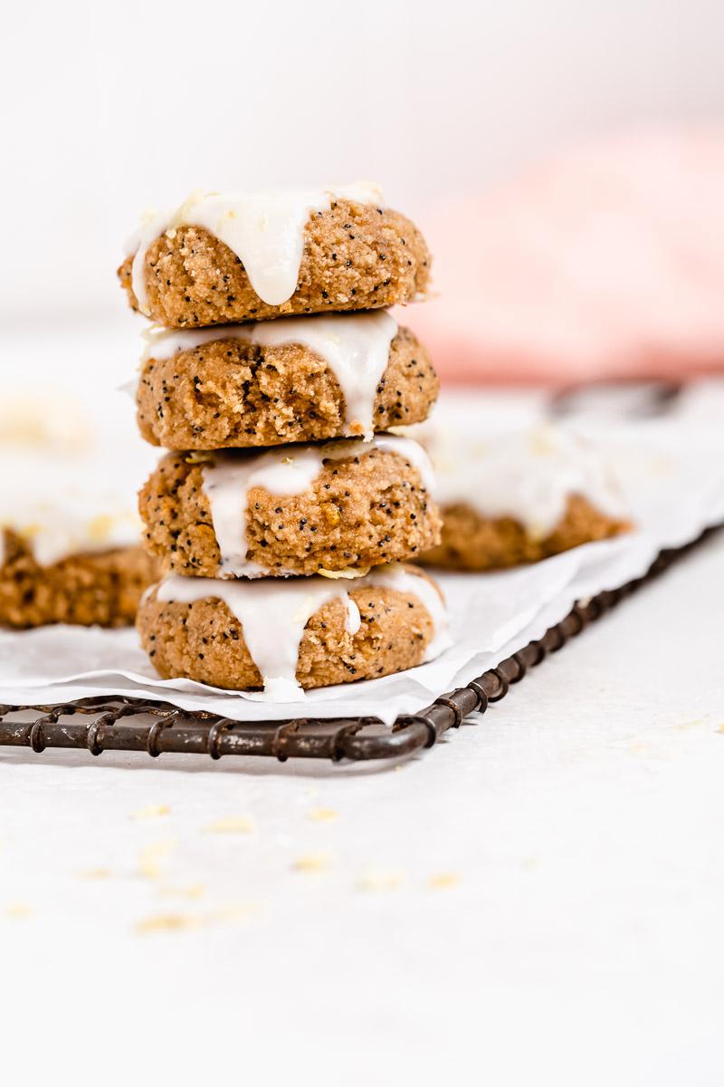 Paleo Lemon Poppy Seed Cookies - paleo, vegan, dairy-free, gluten-free