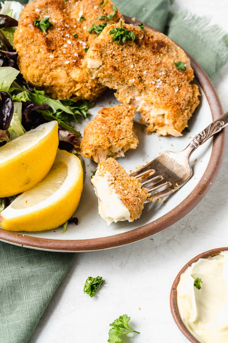 Healthy Crispy Salmon Cakes - The Fit Peach