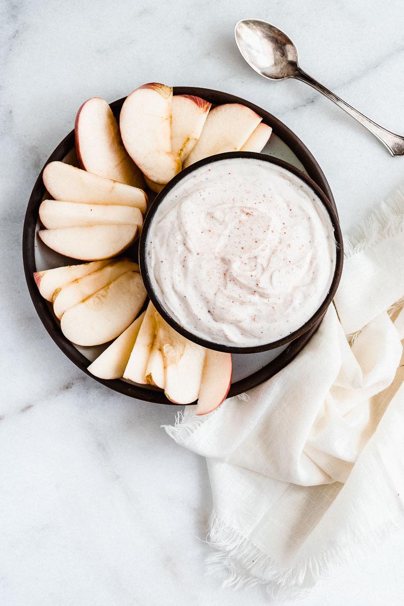 Healthy Apples & Greek Yogurt Dip - The Fit Peach