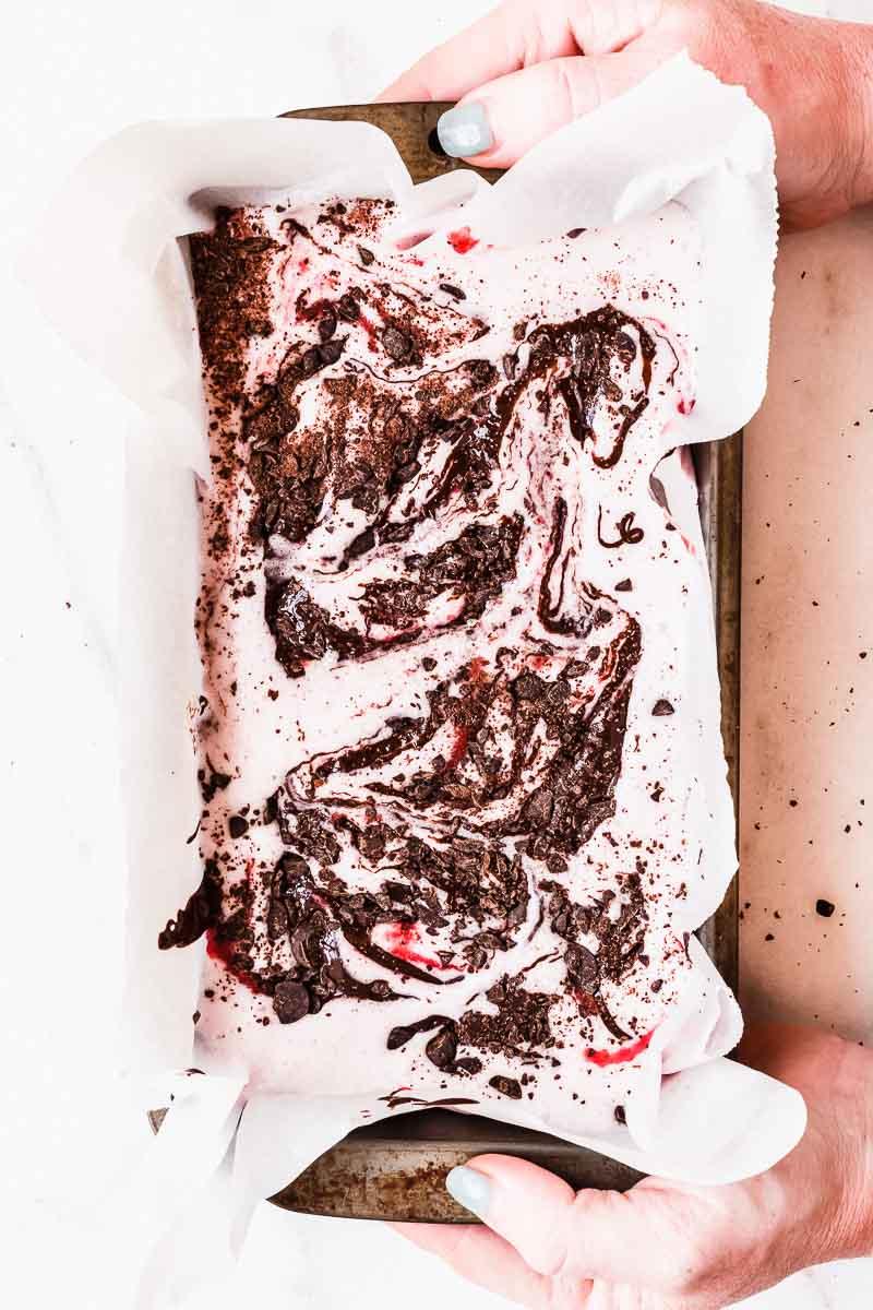 Dark Chocolate Strawberry No Churn Paleo Ice Cream - The Fit Peach