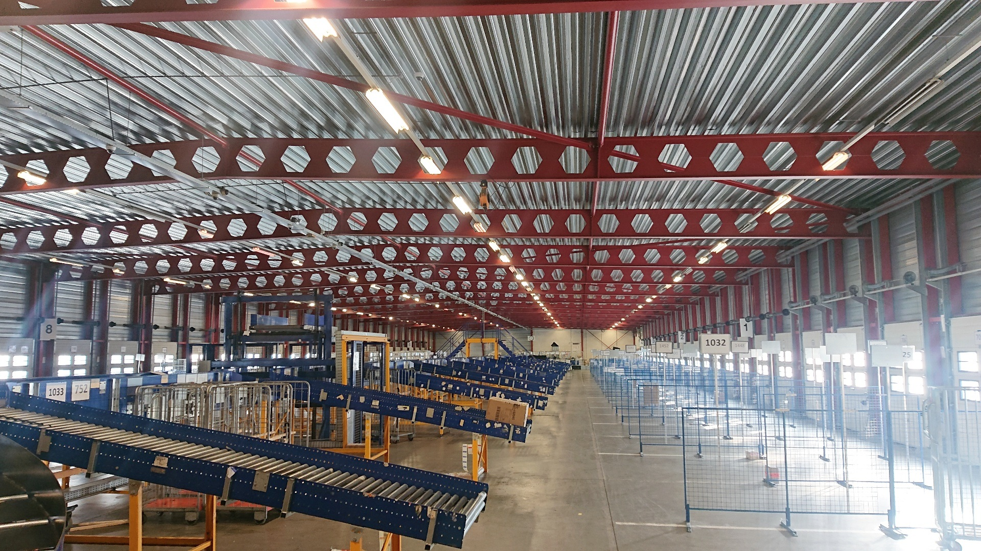 Crossdock Facility - Metropolitan Region Amsterdam Hub