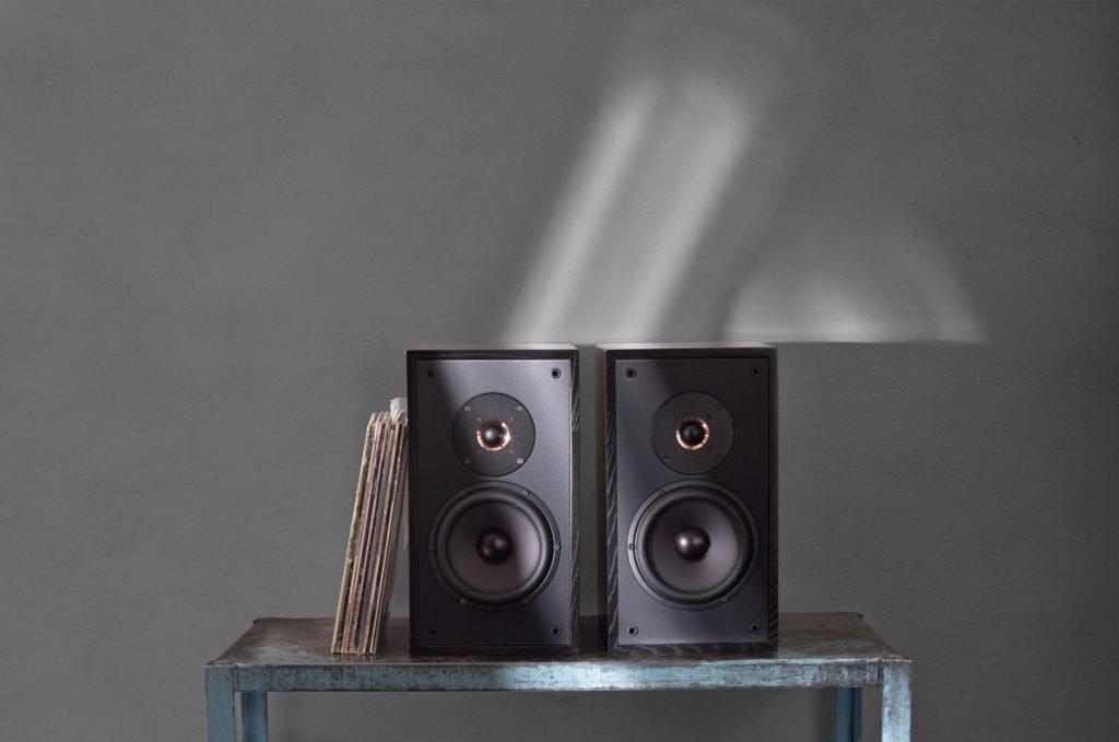 Leon-Timbre-MT-Bookshelf-Speakers-1024x679.jpg