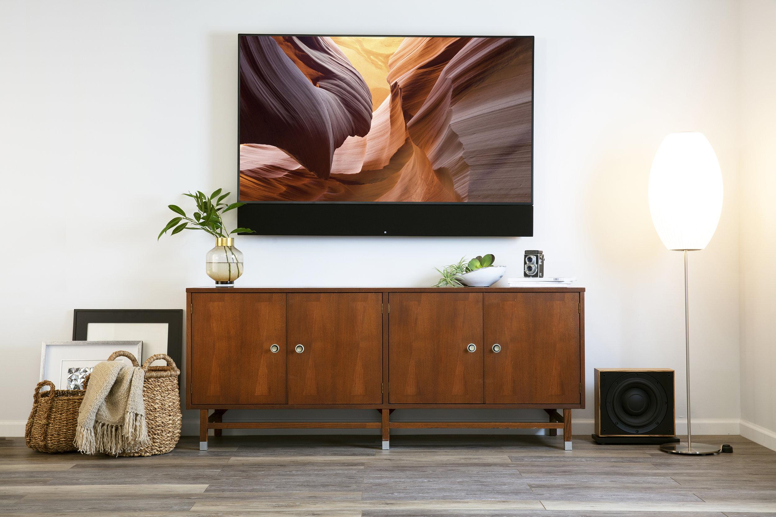 Leon-Speakers-Horizon-Hz44UX-Aaros-A10-UT-Subwoofer.jpg