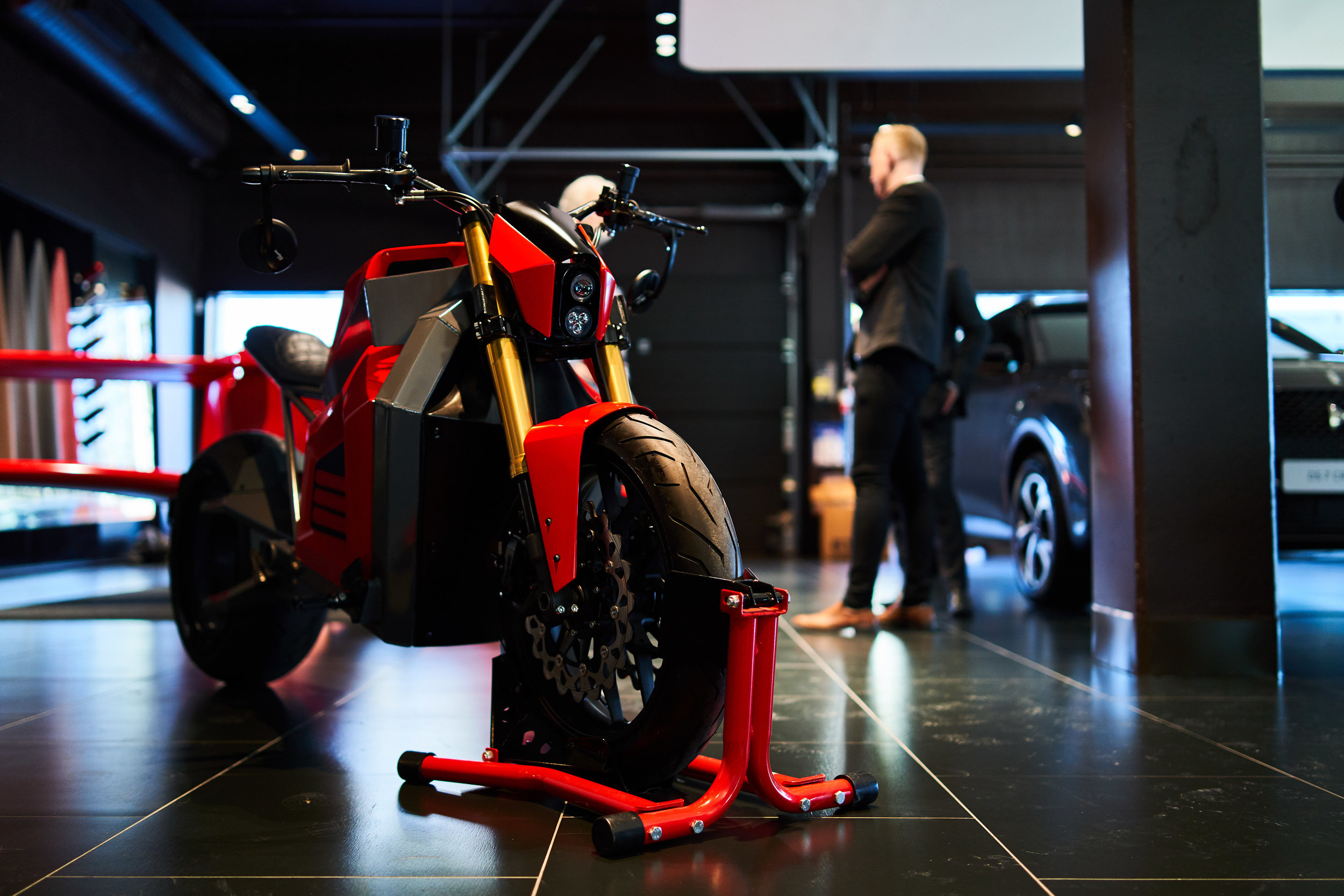 The E2 prototype was showcased at DS Store in Vantaa, Finland.