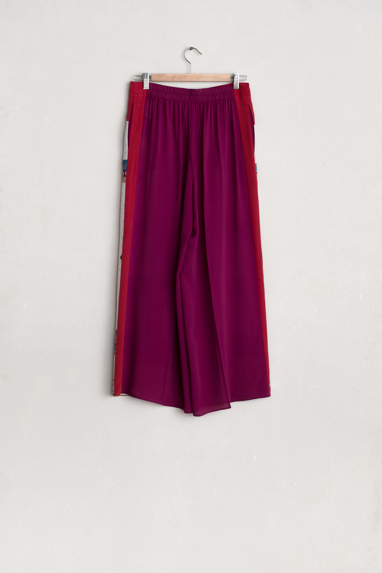wholesale dealer 79331 fba71 Ibrigu - Red & violet wide long trousers — Vico dei Bolognesi
