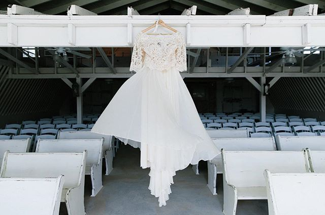 Take a look at this dress and this room!