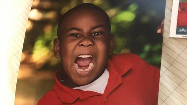 Kindergartner's hilarious school photo goes viral