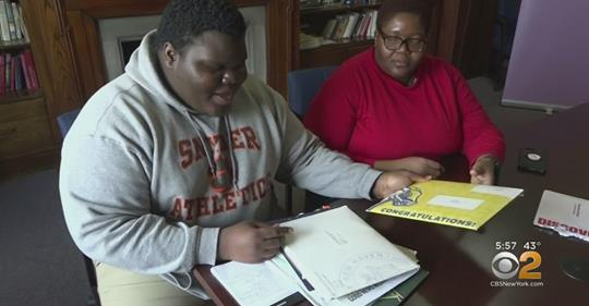 New Jersey Teen Triumphs Over Homelessness, Gets Accepted Into 17 Colleges