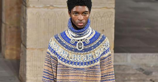 ALTON MASON MAKES HISTORY AS FIRST BLACK MALE MODEL TO WALK IN CHANEL SHOW IN 109 YEARS