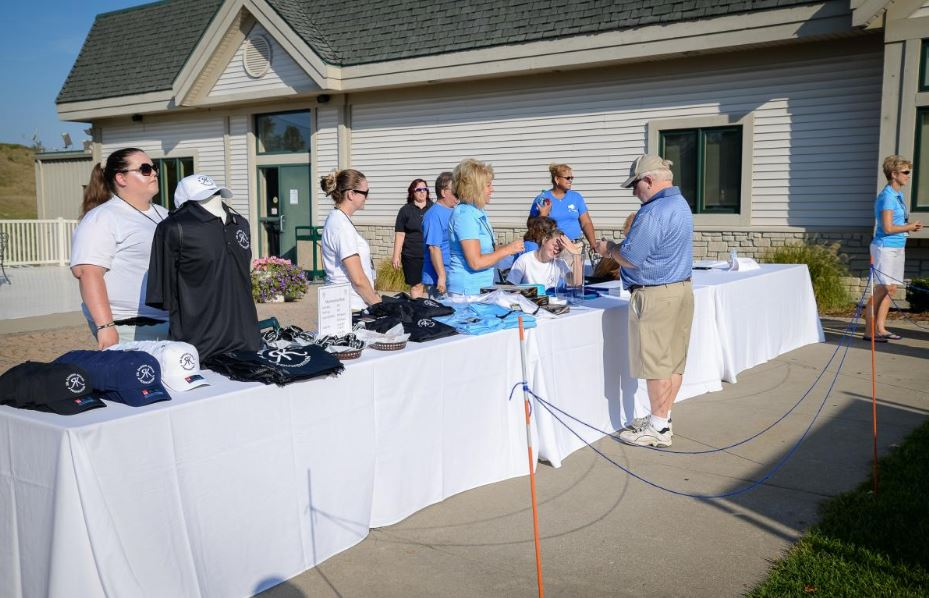 Giving on the Green 19.JPG