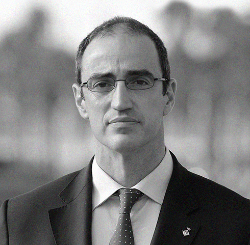 Antoni Vives   International consultant, political advisor and policy analyst. Former Deputy Mayor of Barcelona, and founder of the City Transformation Agency, an innovative firm that seeks to radically improve people's lives generating hope and delivering welfare in cities all around the world.