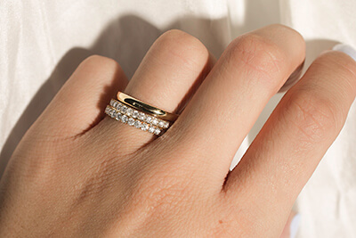 Browse designs and finalise your order. - In store, our experts will show you our collection of signature designs to try on. We'll take your ring size measurements and get the ball rolling on crafting your custom wedding rings.