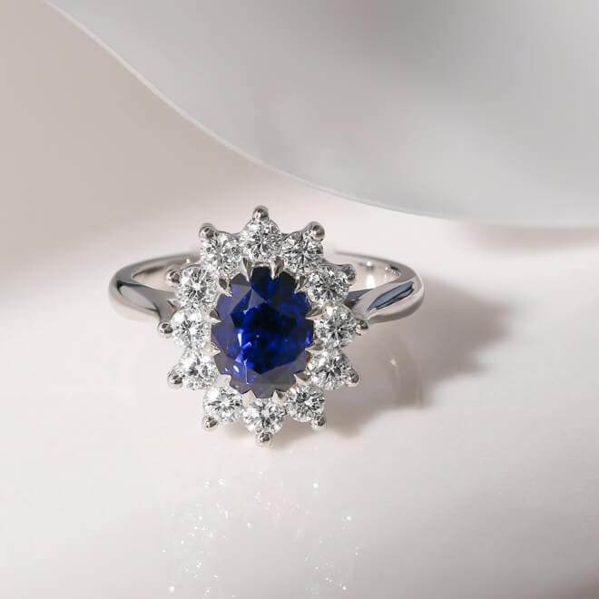 sapphire-engagement-rings-3 (1 of 1)-2.jpg