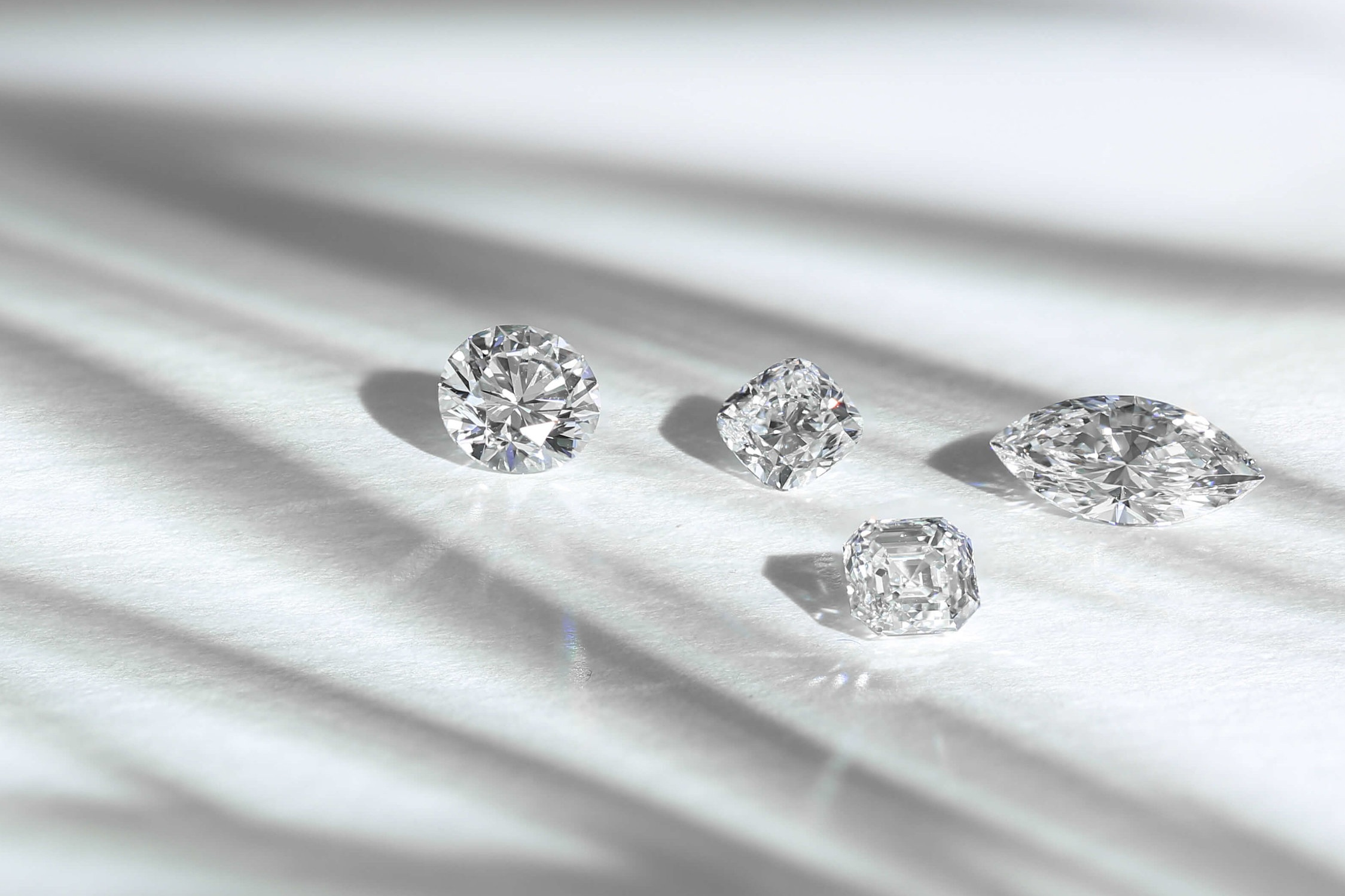 The crucial 4Cs for buying and engagement ring - Read the guide