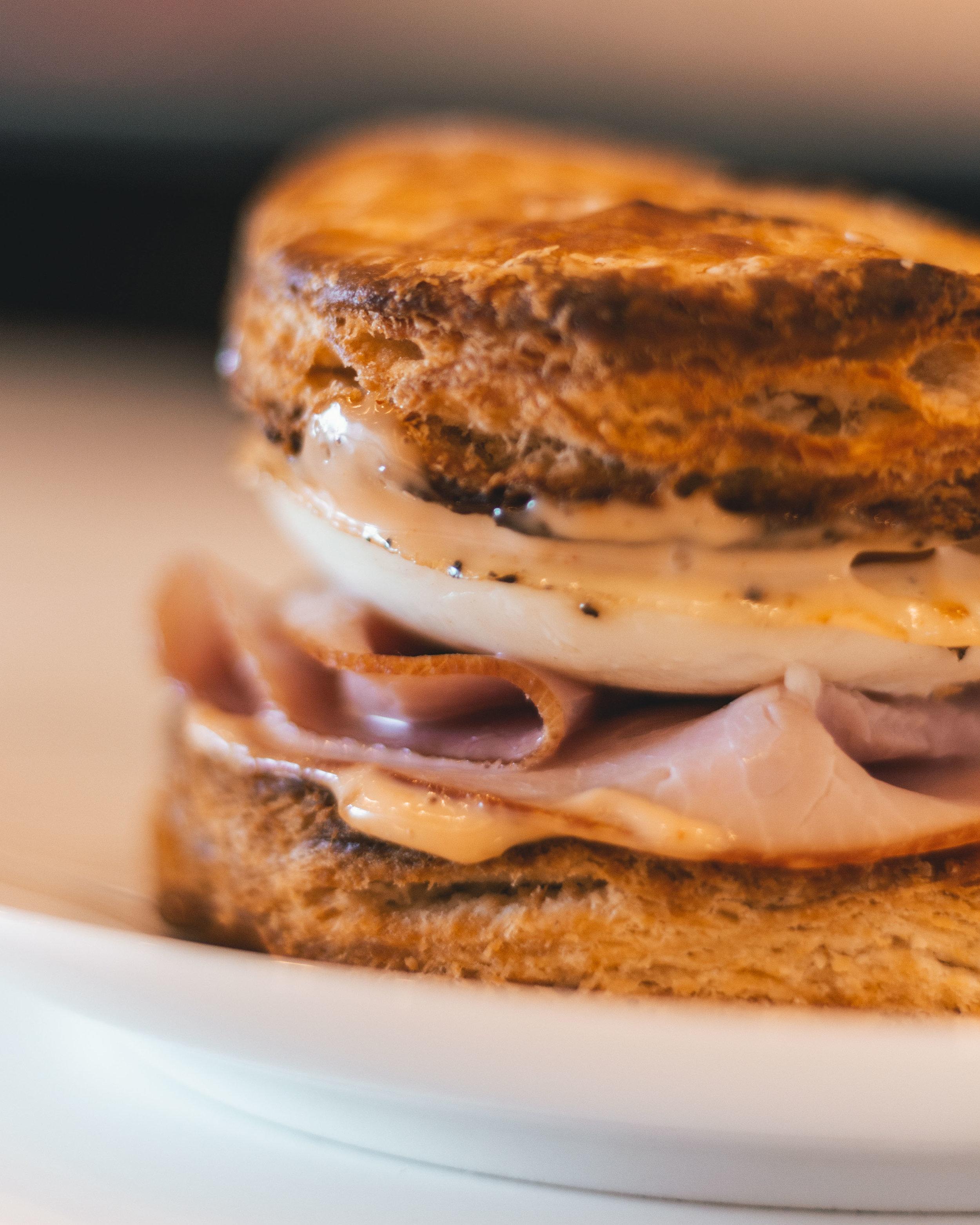 jonnybean_breakfast_sandwich