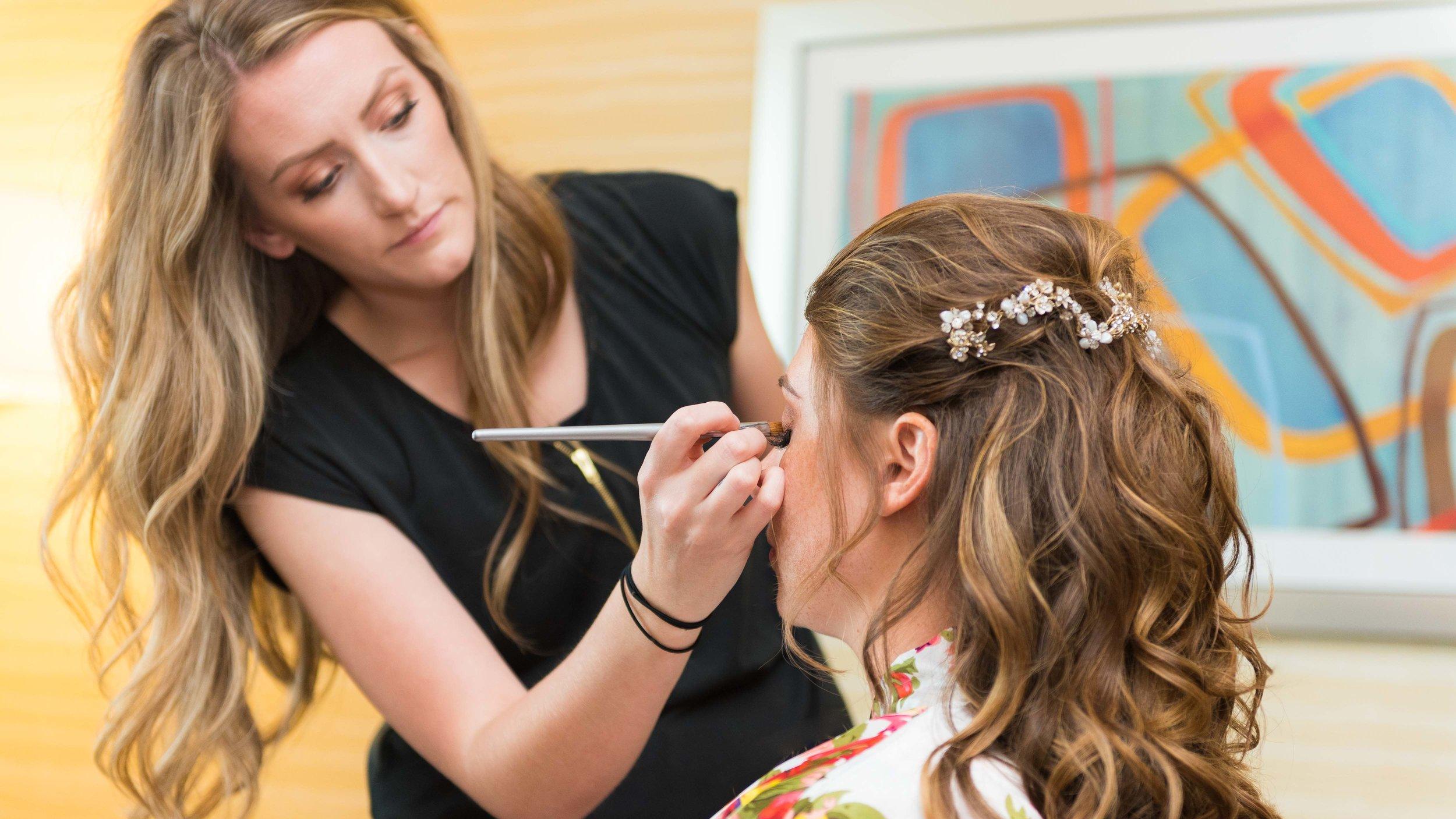 Wedding-Bridal-Party-Getting-Ready-1.jpg