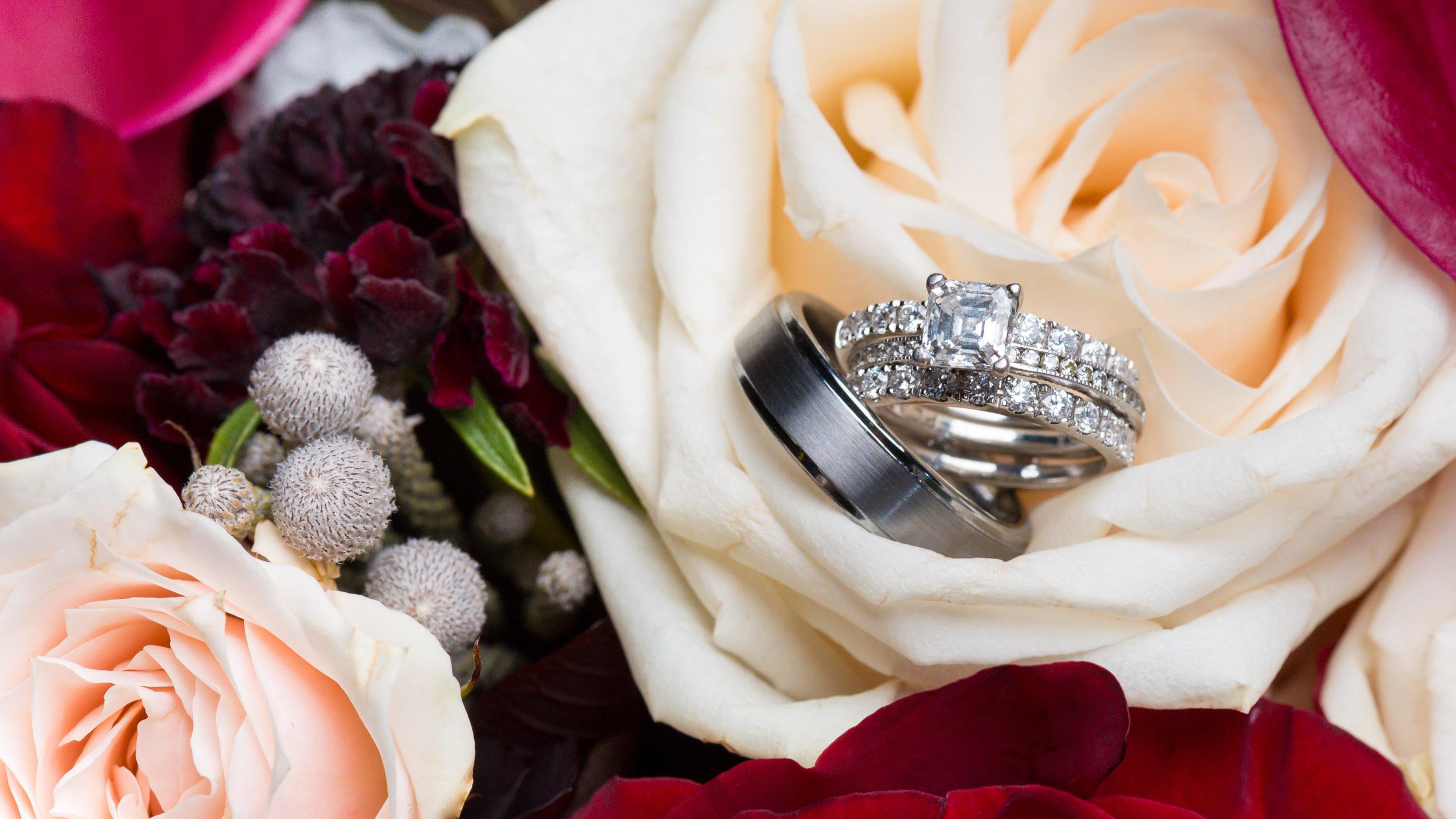 Wedding-rings-with-flowers-4.jpg