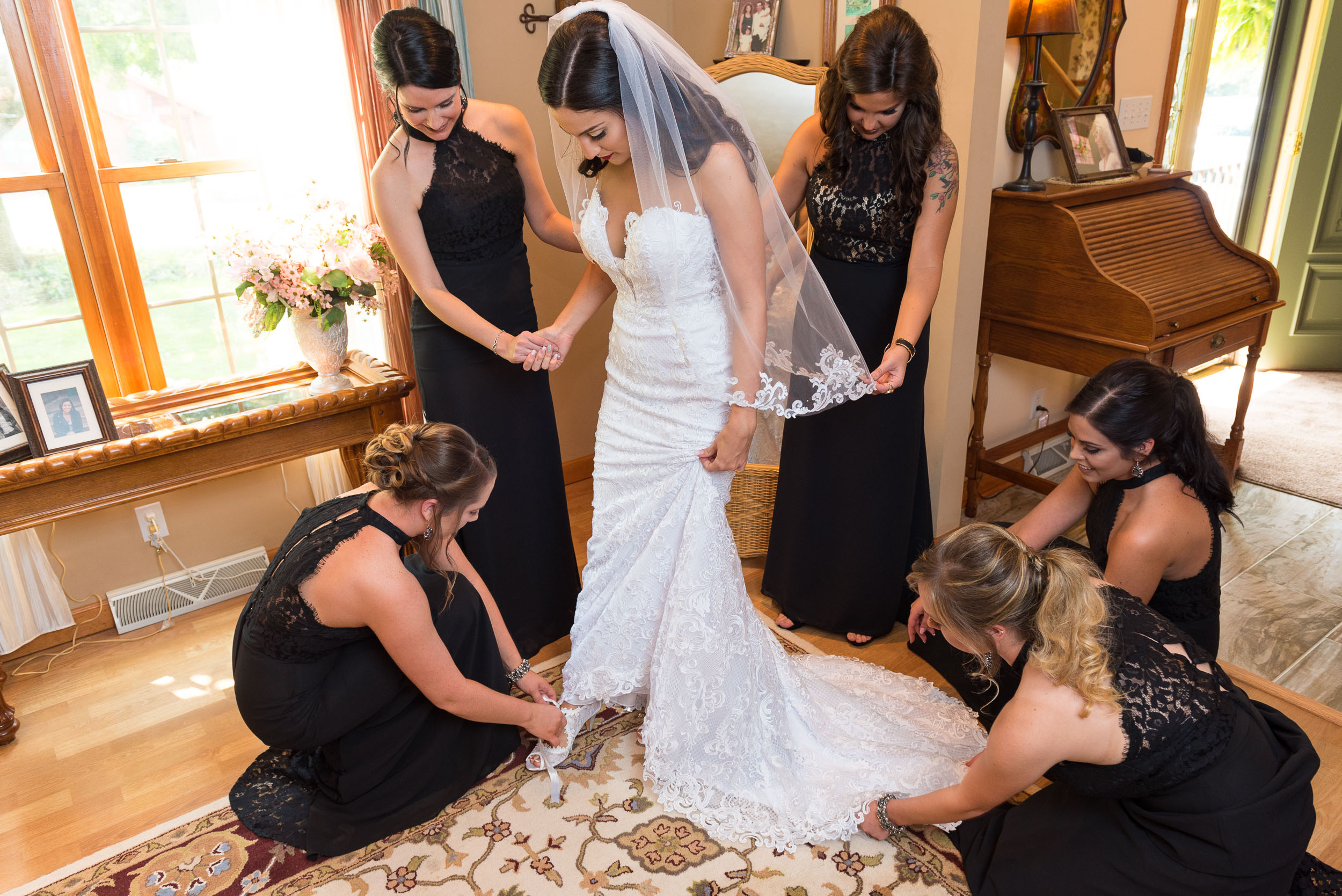 Bride-Getting-Ready-at-home-Glenshaw.jpg