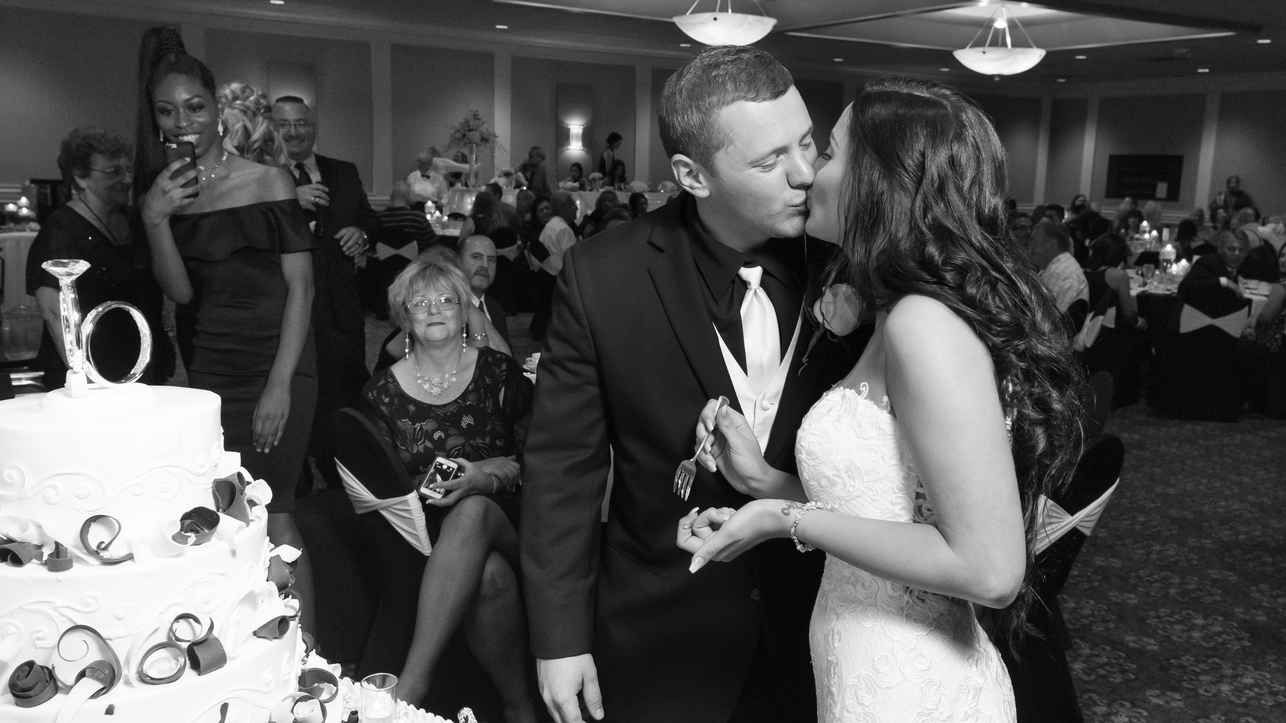 Bride-and-groom-cutting-cake-2.jpg