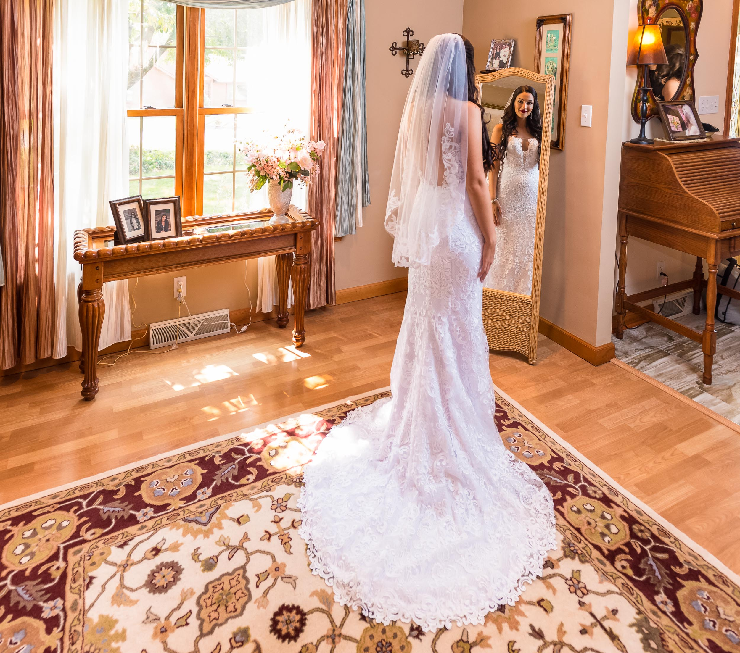 Bride-Getting-Ready-at-home-Glenshaw-4.jpg