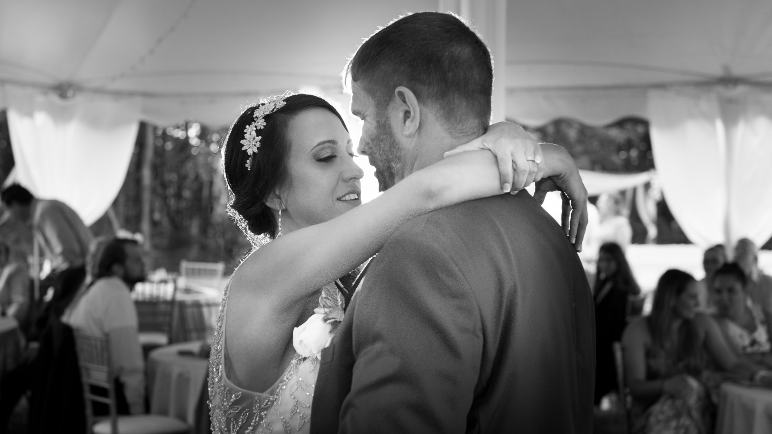 Bride-and-groom-first-dance.jpg