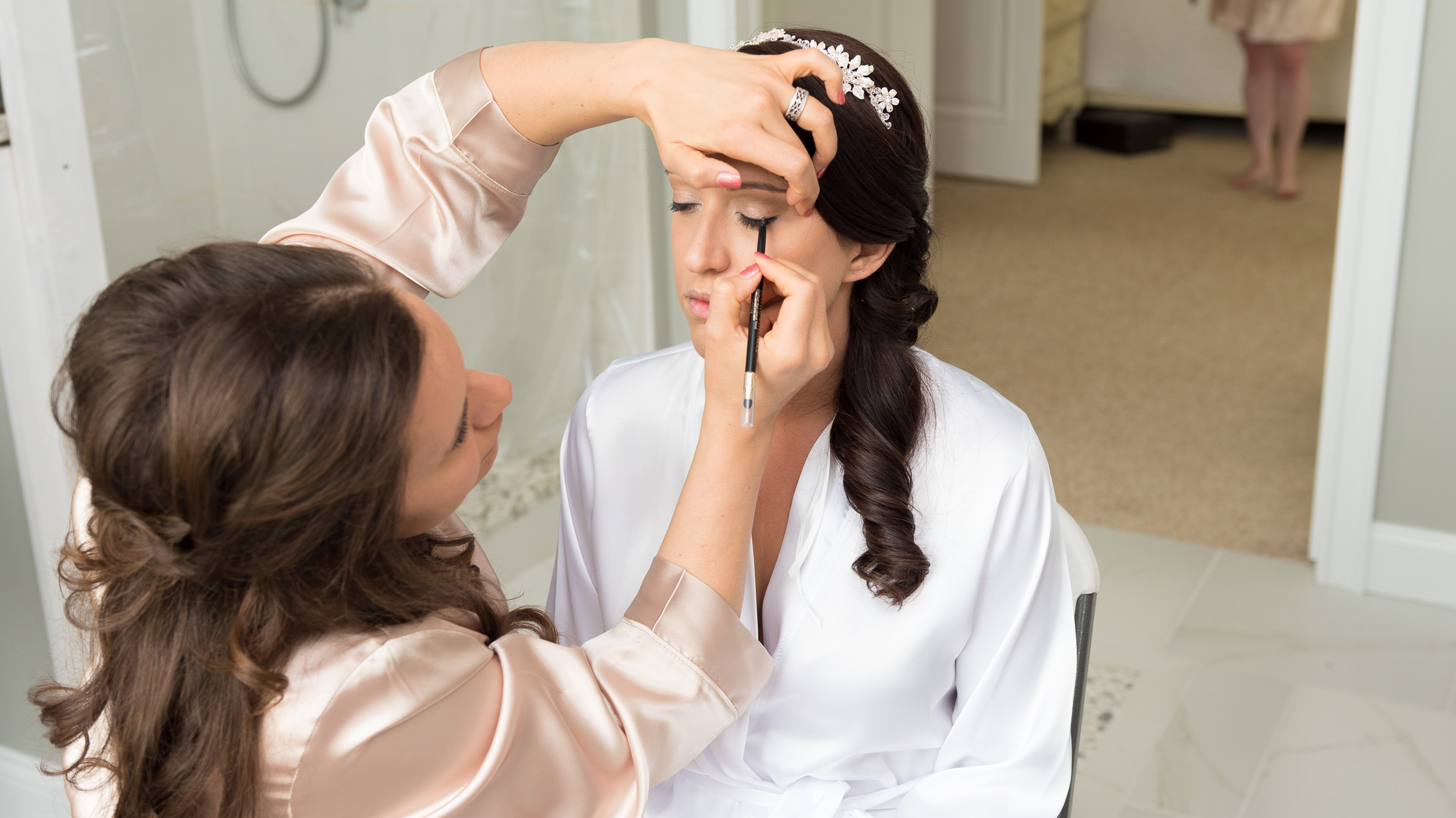 Bride-getting-ready-with-bridesmaids-3.jpg