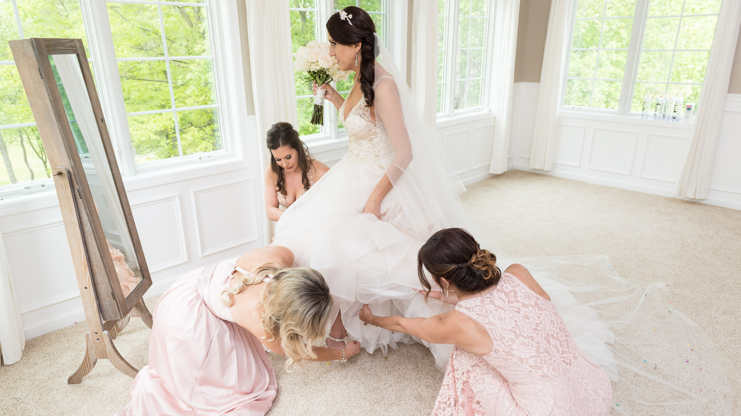 Bride-getting-ready-with-bridesmaids-11.jpg