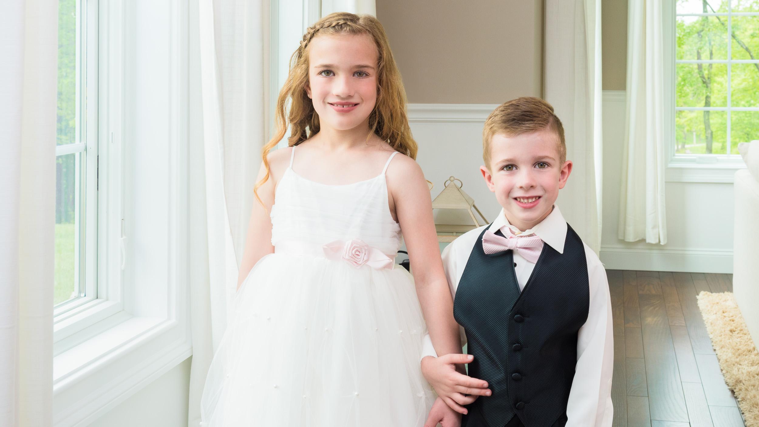 Wedding-little-girl-and-little-boy.jpg