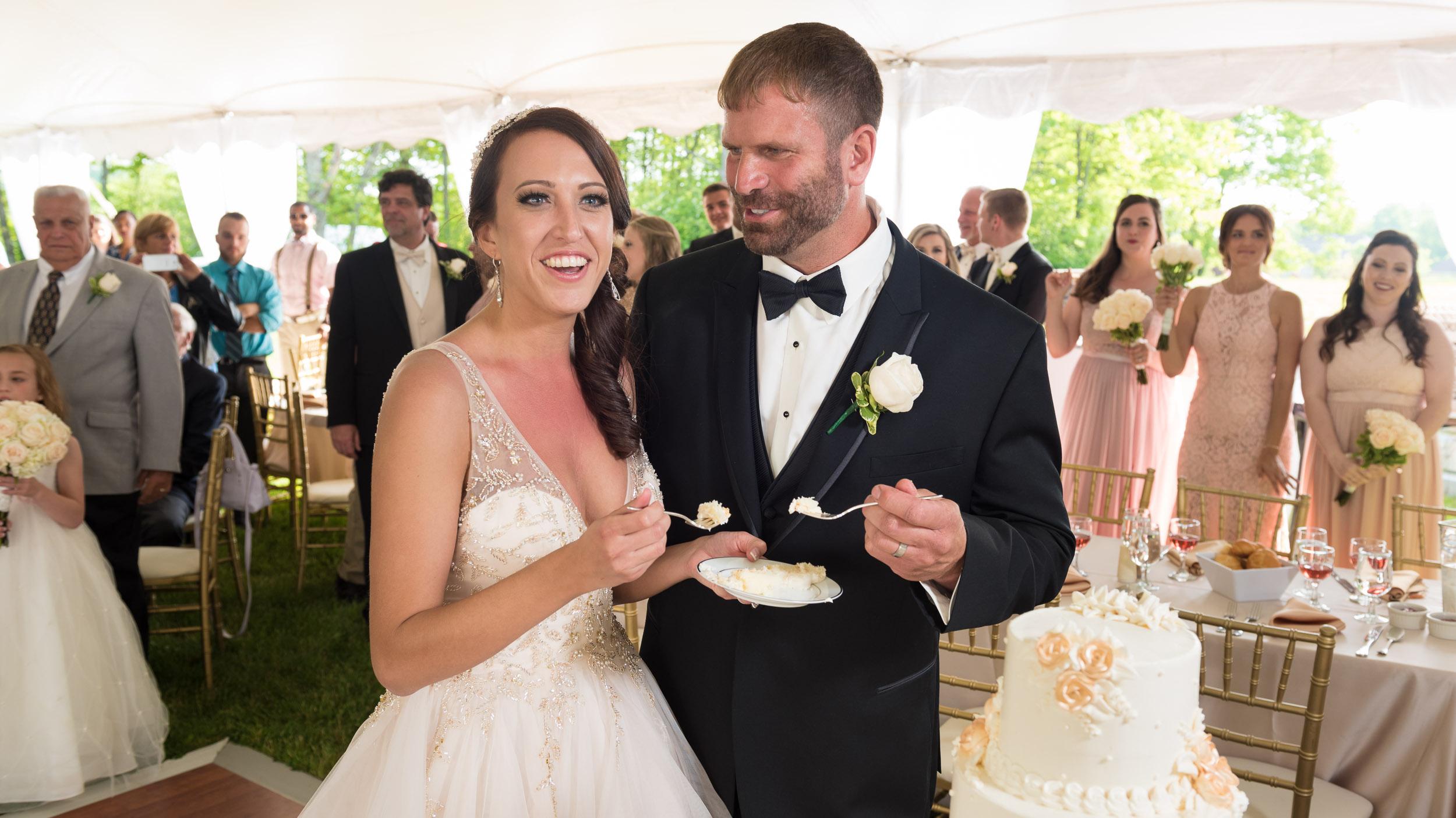 Wedding-reception-cutting-the-cake.jpg