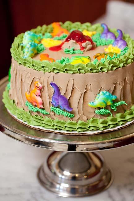 parties_cake_dino.jpg