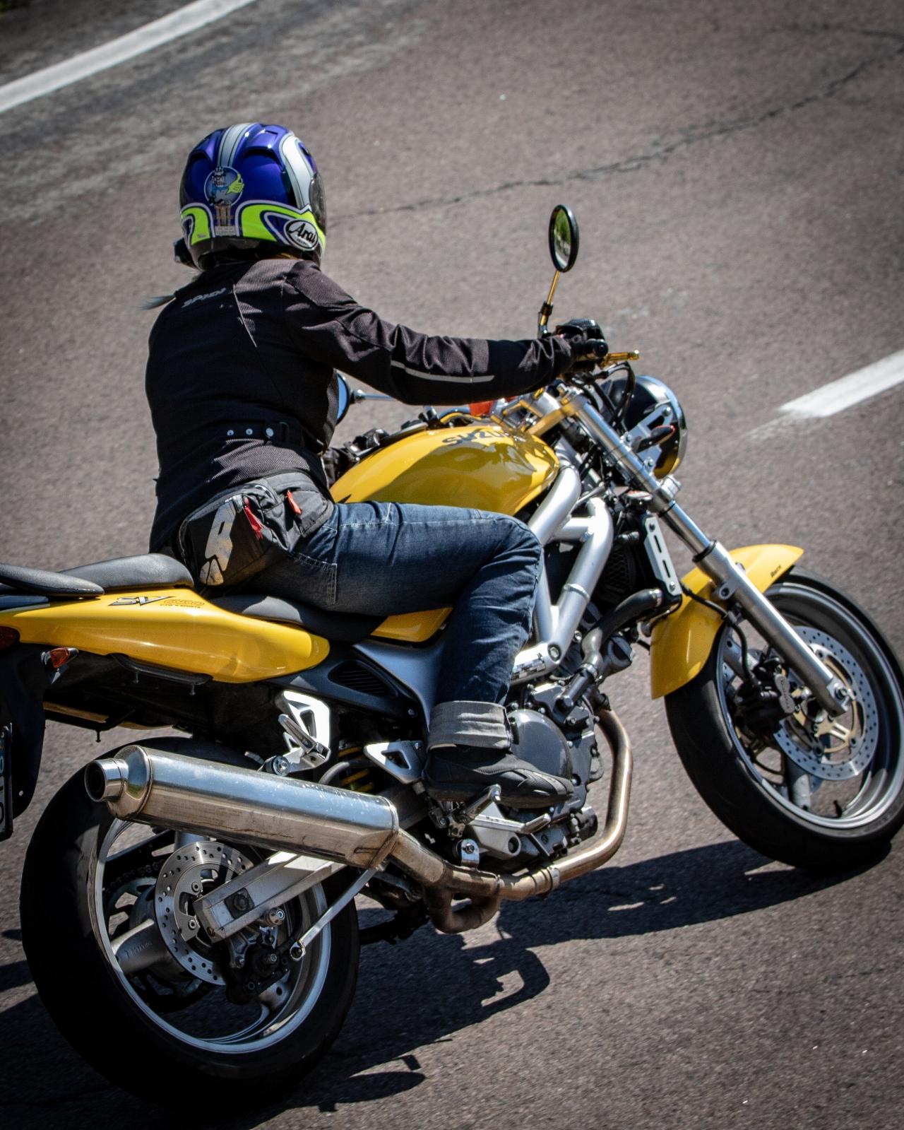 Sv 650 suzuki woman motorcyclist