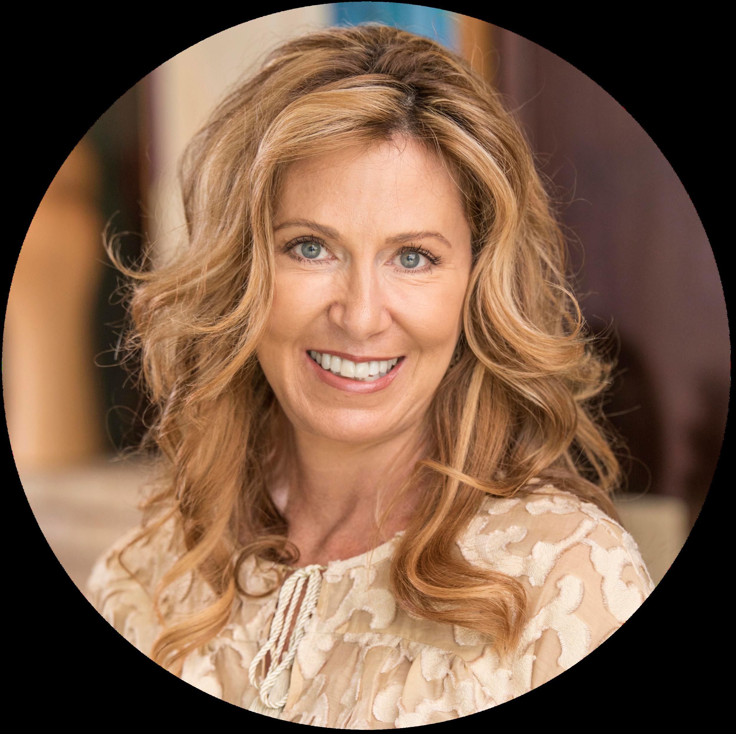 Linda Borghi Headshot (1).png