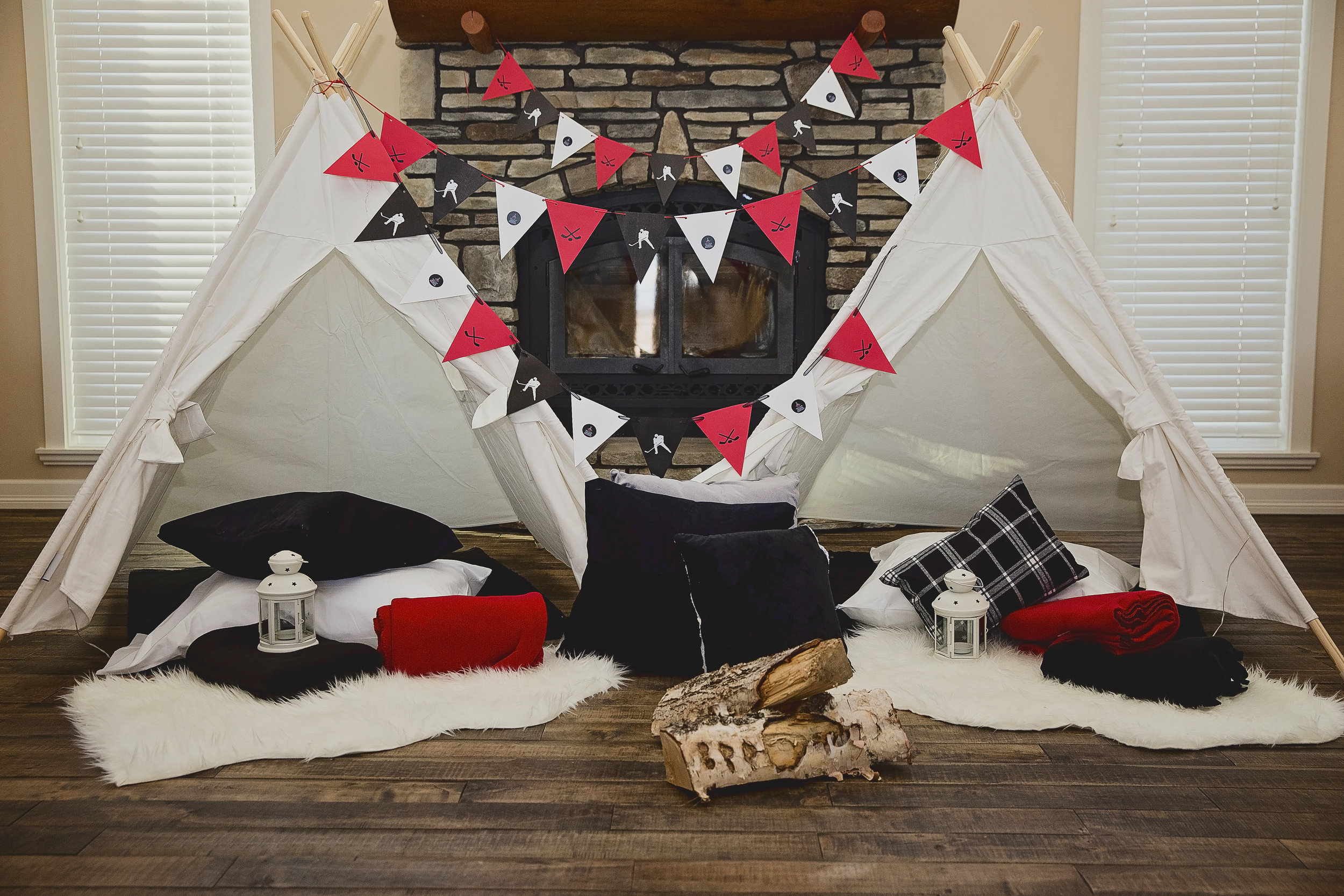 Oh Canada! - What could be more Canadian than hockey and flannel, eh? This theme is based on the country's love of hockey, warm nights camping in cozy flannel and having a great time with your friends. It is perfect for your hockey fan.