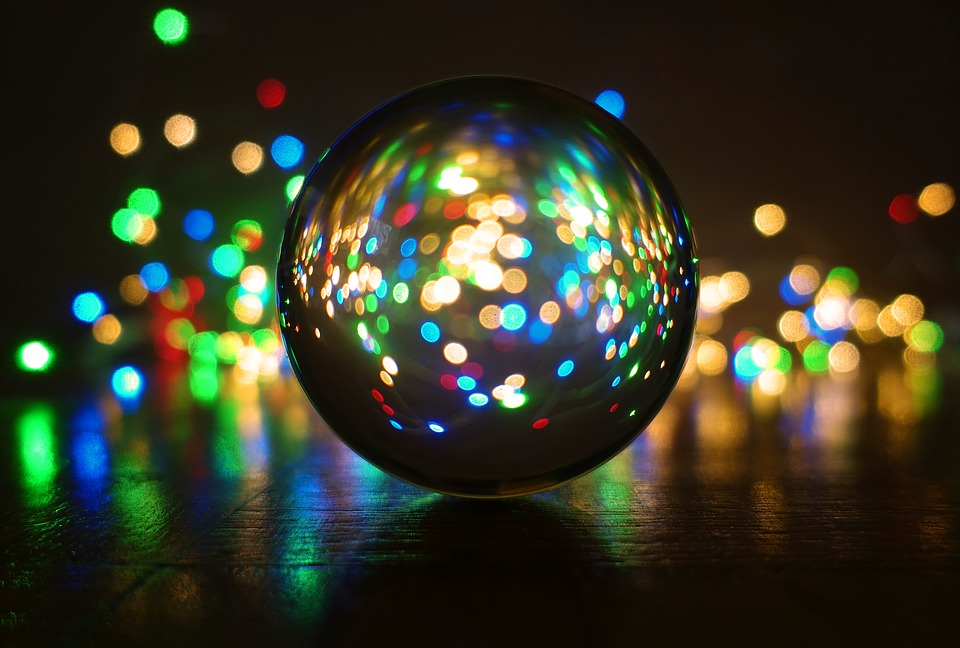 crystal-ball-photography-3884125_960_720.jpg