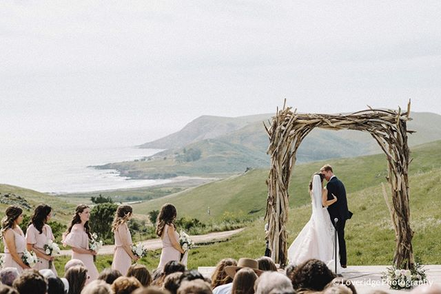 This moment... . 📷 @loveridgephotography  #swallowcreekranchwedding #swallowcreekranch #hilltopampitheater #driftwoodarch  #ranchwedding #barnwedding #coastalranchwedding #californiawedding  #cayucoswedding #sanluisobispowedding #slowedding #centralcoastwedding #centralcoastweddingvenue #californiaweddingvenue  #805wedding  #swallowcreekweddings
