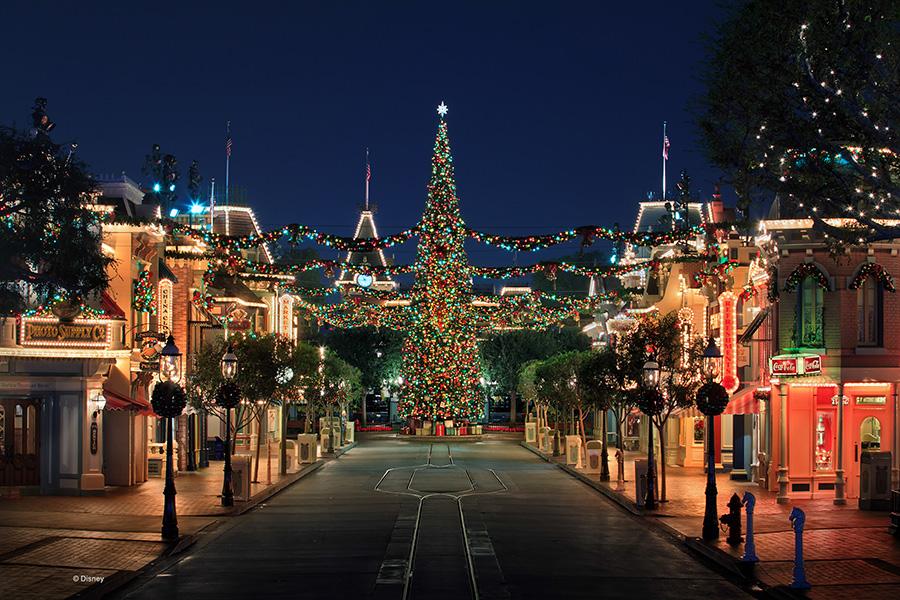 Christmas-themed Main Street, U.S.A.