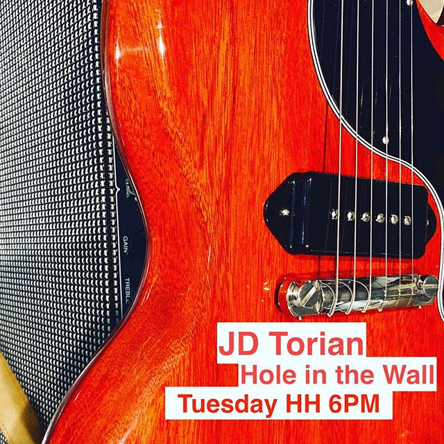 Come on! #holeinthewall #singersongwriter #singersofinstagram #happyhour #forrealthough #gibsongram #sg