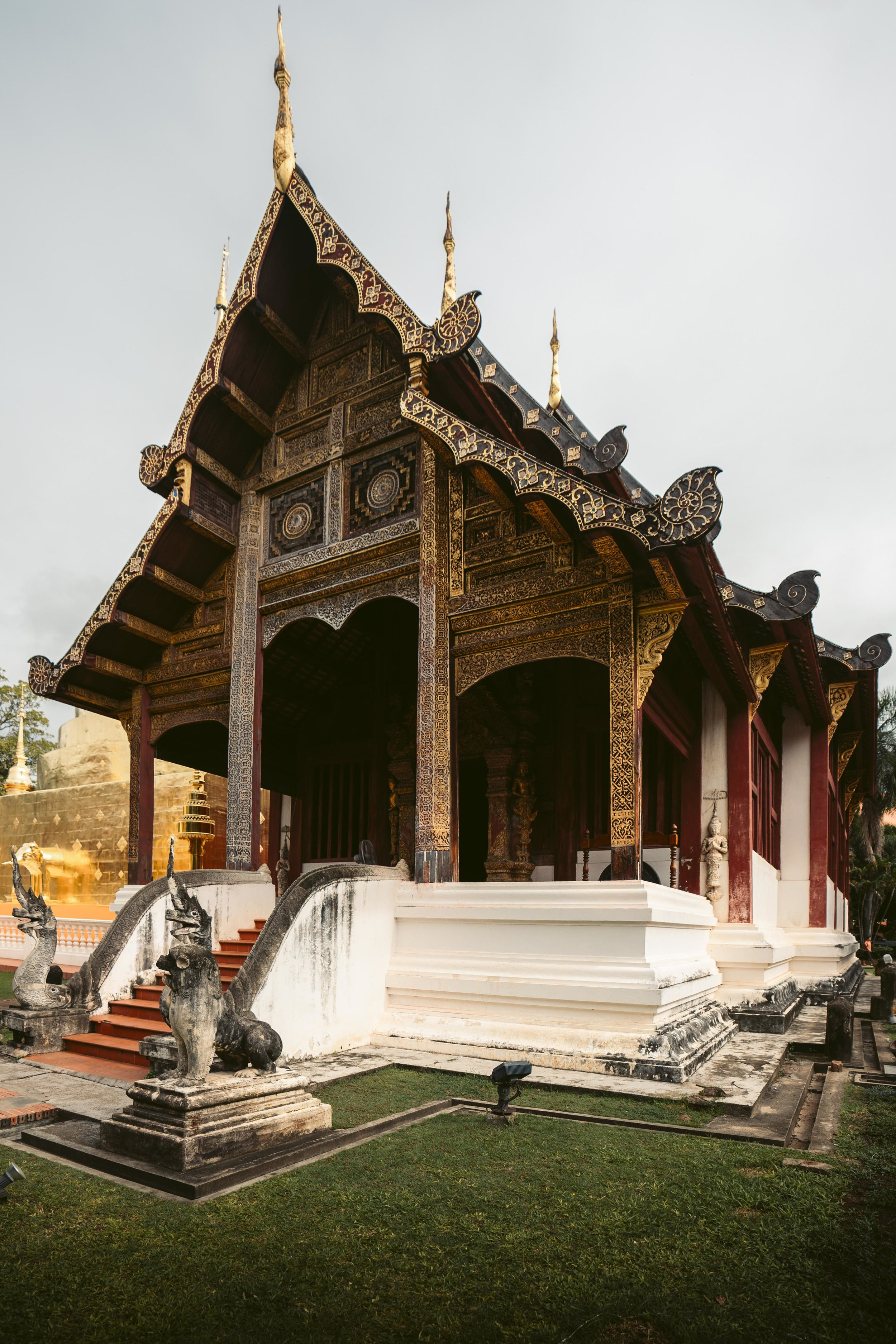 Did you know that there are 300 temples (wats) in Chiang Mai? Neither did I!