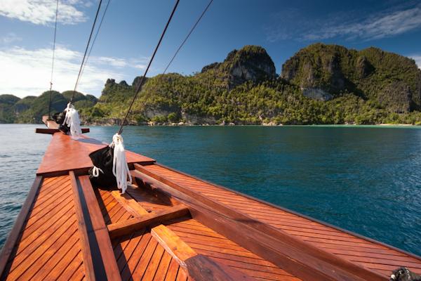 Triton Bay & Raja Ampat- Indo - NOV 26—DEC 7, 2020 (Plus travel dates)