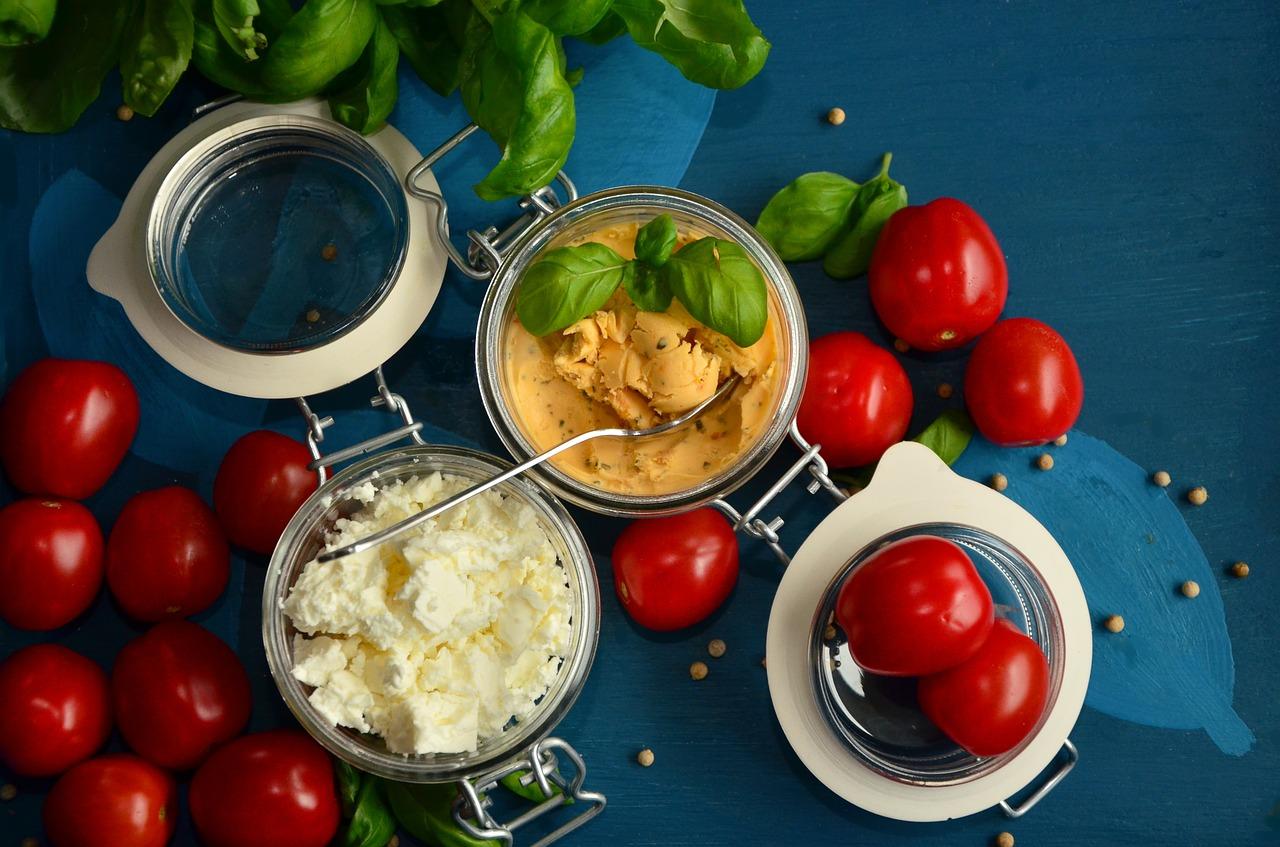 tomatoes-1338940_1280.jpg