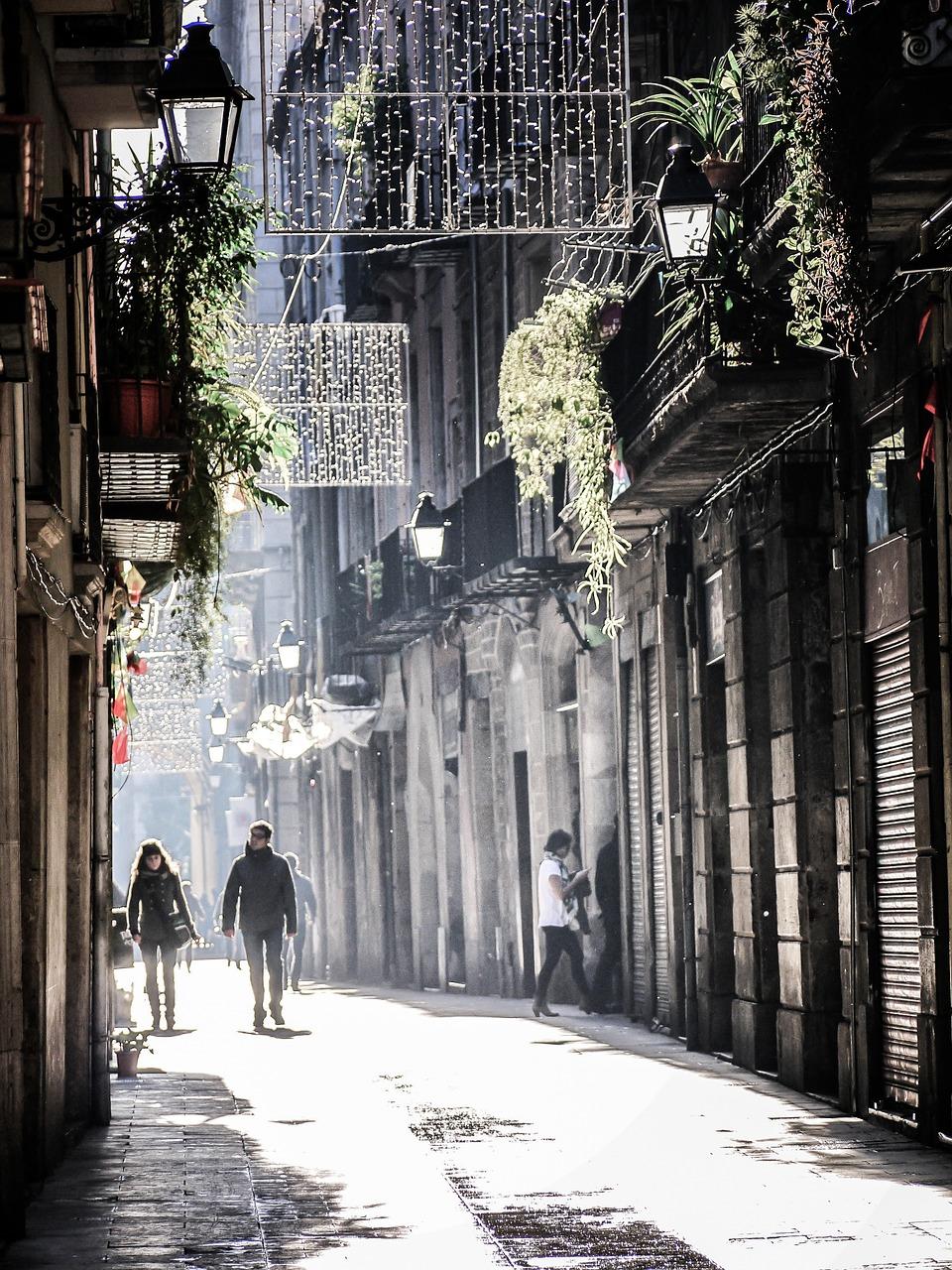 barcelona alley.jpg