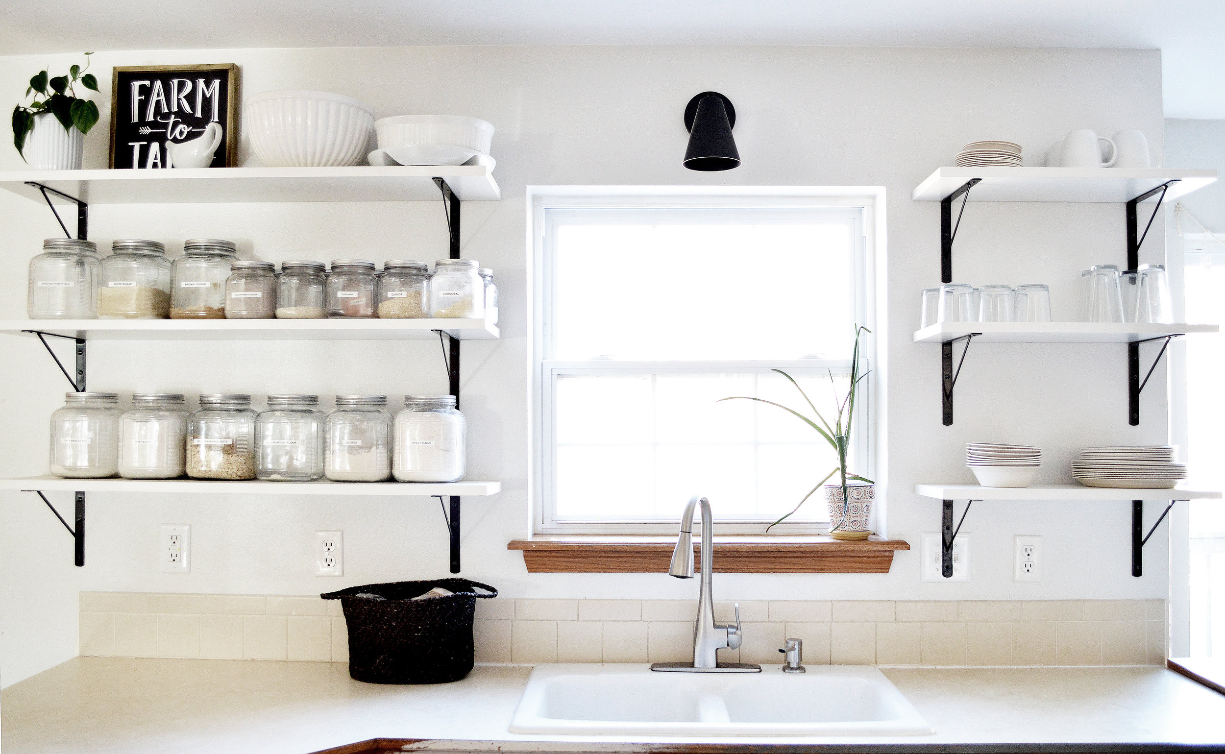 kitchenshelves5.jpg