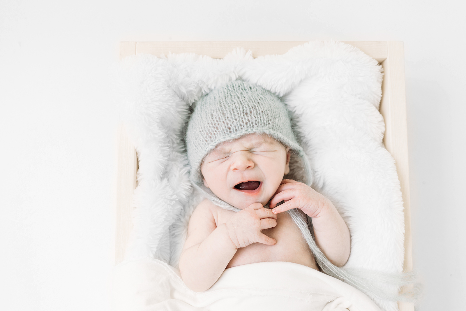 newborn bright and airy photography kansas