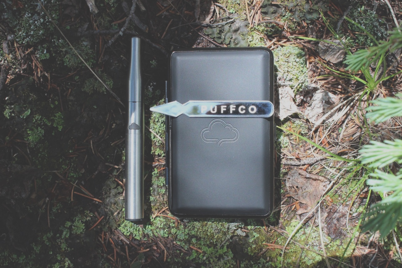 11. Puffco - As we round out the 12 Gifts of Kushmas I cant forget to share the on-the-go accessory everyone needs. Puffco was established in 2013 by @jollyrogernyc. He wanted more than the industry standard so he set out to merge technology, design and engineering to create the best platform for concentrate consumption. I discovered this company a few years ago and I've been hooked ever since. If you need the perfect tech for on the go dabbing see PUFFCO.
