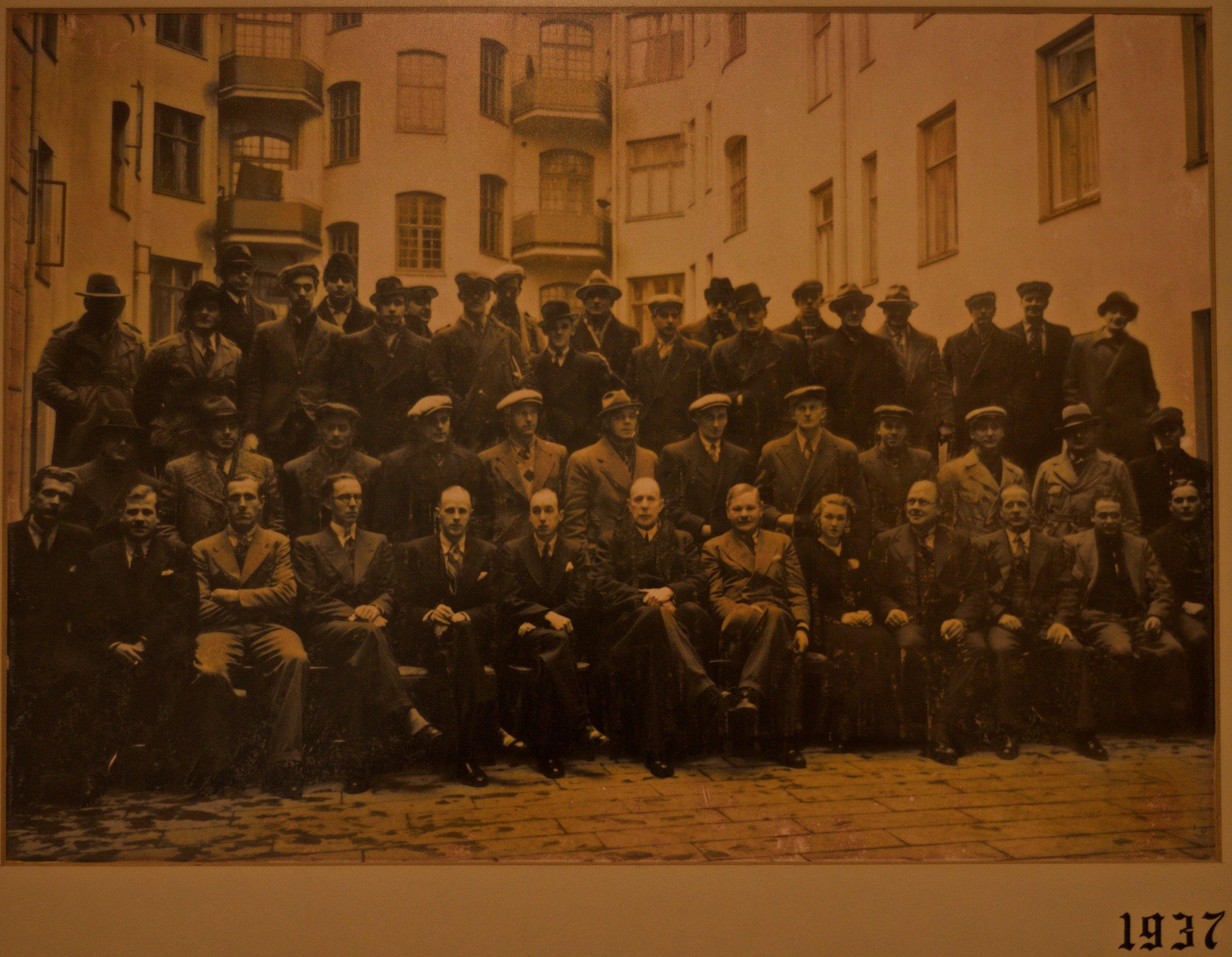 Montörer och tjänstemän på Rhodin & Eklund El & Tele AB år 1937.