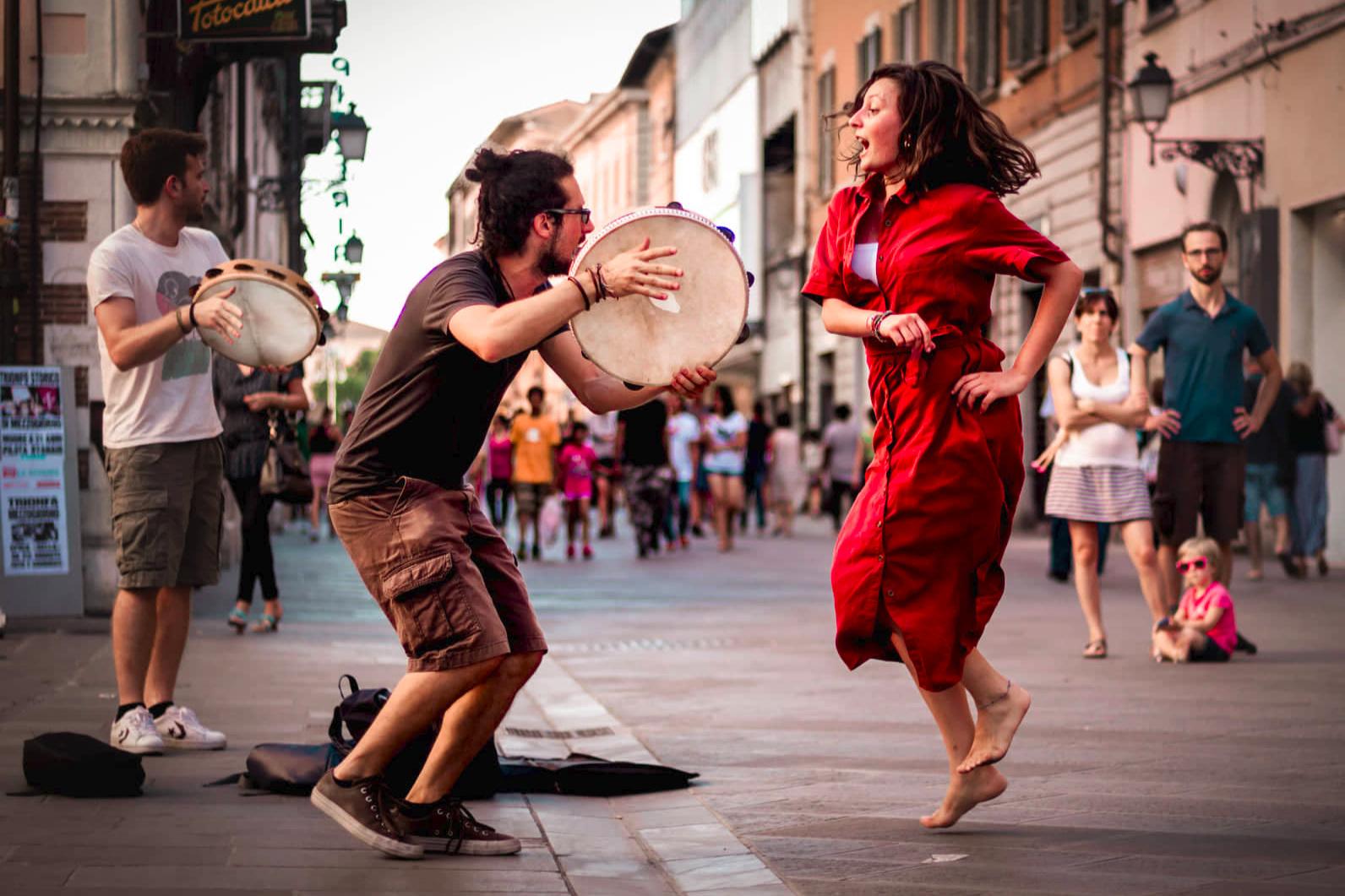 Plateìa - Suoni Dal Sud - ITA // Folk - Musica Popolare del SudBliss Beat Festival - 18 luglio 2019 - h 19.45 e 19 luglio 2019 - h 17.00