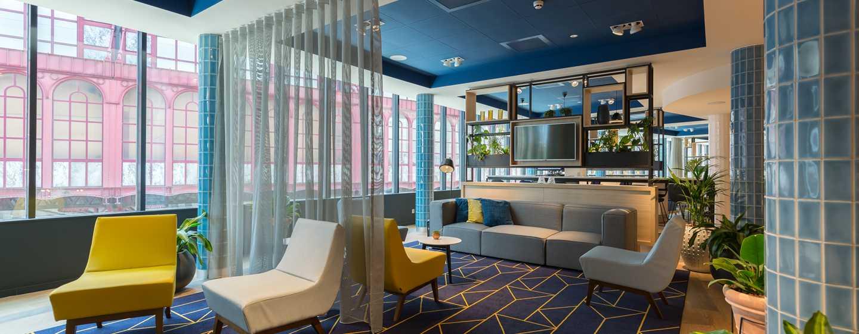 Hampton by Hilton Antwerp - Lobby.jpg