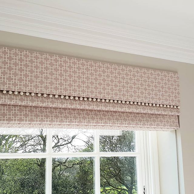 Nursery Roman blinds and pelmets with pom pom trimming.. handmade and fitted by our expert team.. call us for a free home visit and quotation.🏡